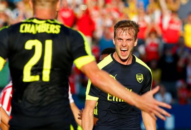 Rob Holding celebrates his first goal for Arsenal. | Source: Mirror