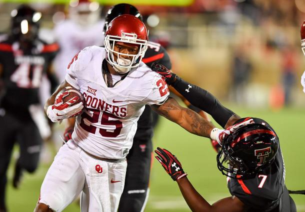 The Raiders haven't been shy with their interest in Oklahoma running back Joe Mixon, despite his off field concerns | John Weast, Getty Images