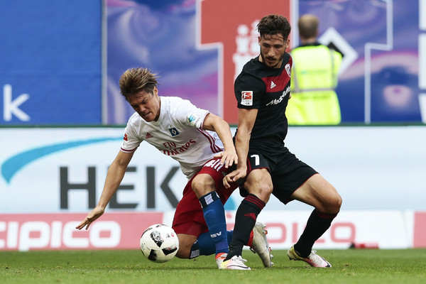 Leckie was in action on the opening Bundesliga weekend, as he helped secure a 1-1 draw for his side against Hamburger SV. | Image credit: Oliver Hardt/Bongarts