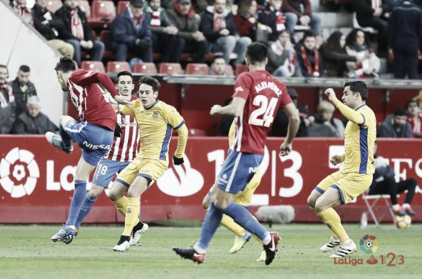 Un momento del Sporting - Alcorcón | Foto: LaLiga.es