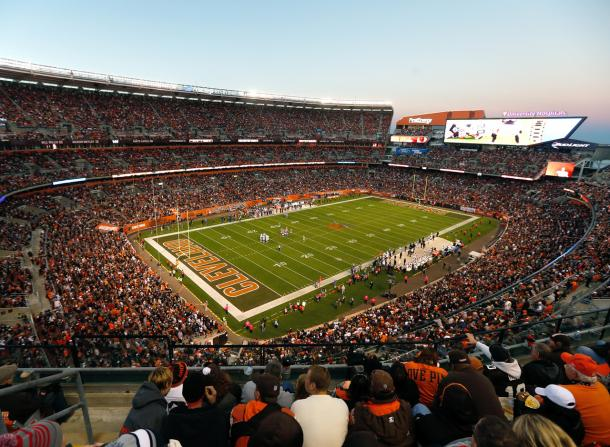FirstEnergy Stadium lleno para un Browns vs Ravens. Fuente: NFL