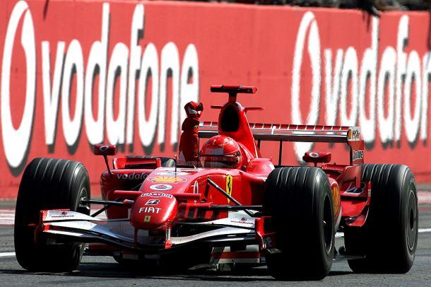 Schumacher taglia il traguardo a Monza 2006