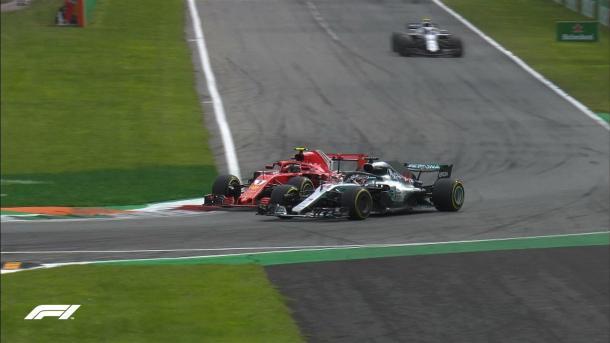 Il sorpasso di Hamilton su Raikkonen | twitter - @F1