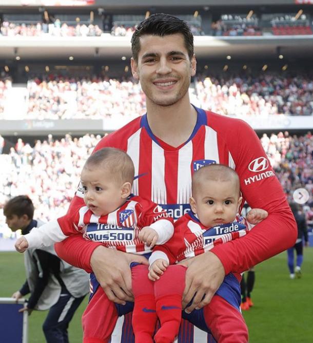 Álvaro Morata con sus dos hijos en el Wanda. | Fuente: Instagram Oficial