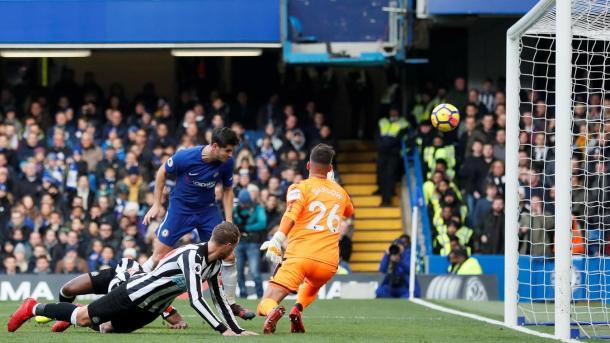 Álvaro Morata marcaba el gol que ponía por delante al Chelsea. Foto: premierleague