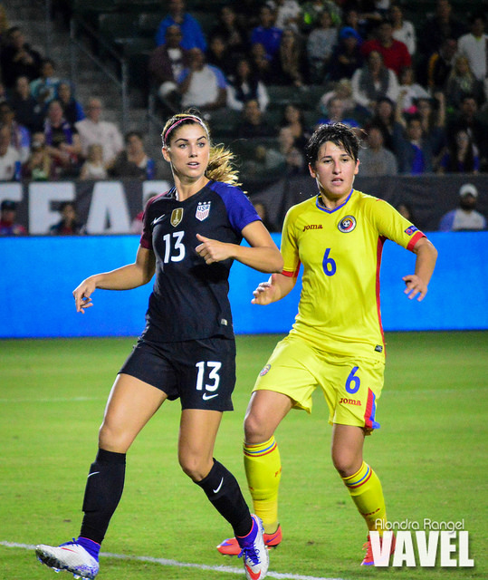 Alex Morgan had multiple opportunities to find the back of the net, but failed to do so against Romania. (Source: Alondra Rangel/VAVEL USA)
