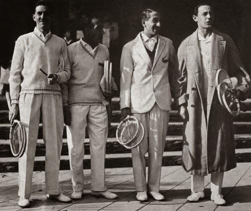 De izquierda a derecha: Jacques Brugnon, Henri Cochet, René Lacoste y Jean Borotra.