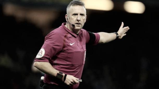 Jonathan Moss será el árbitro del partido. Foto: Premier League.