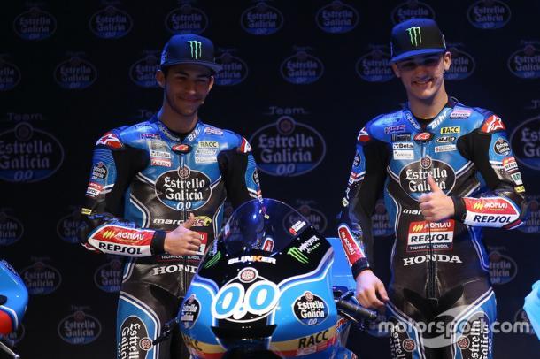 Enea Bastianini (Left) and Aron Canet (Right) unveil the 2017 Moto2 machine - www.motorsport.com