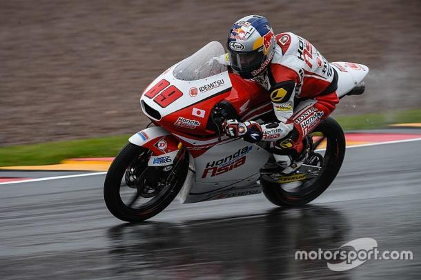 Pawi pushing in the wet - www.motorsport.com