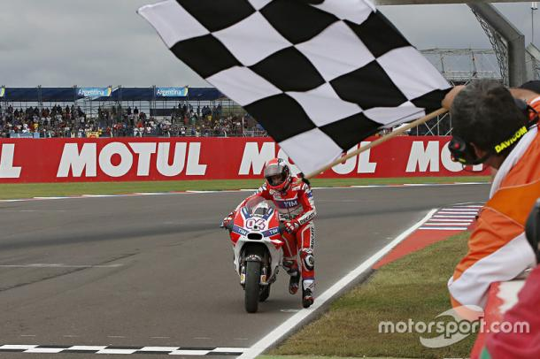 Dovizioso pushes his Ducati over the line | Photo: Motorsport
