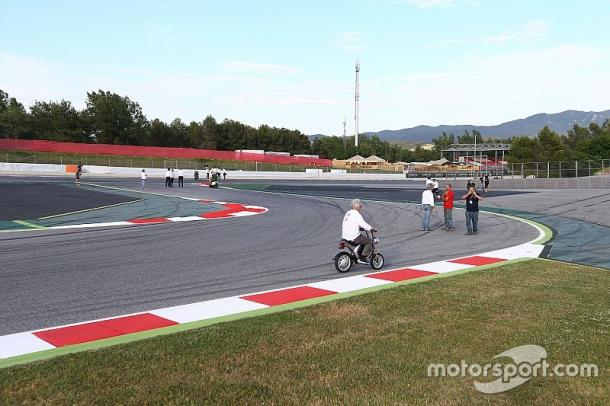 Safety Commision Meeting including ten riders at Circuit de Catalunya where they decided to modify track for safety - www.motorsport.com