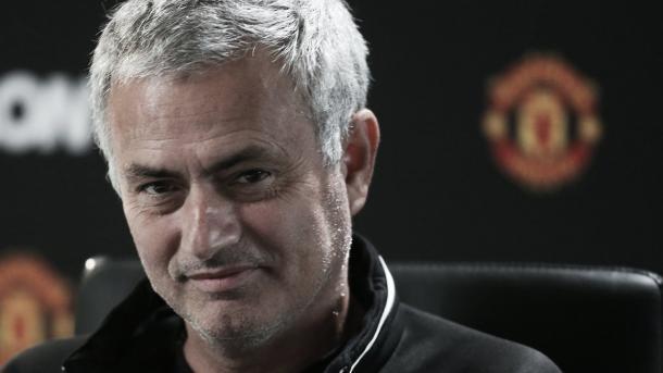 Mourinho en rueda de prensa. Foto: Manchester United.
