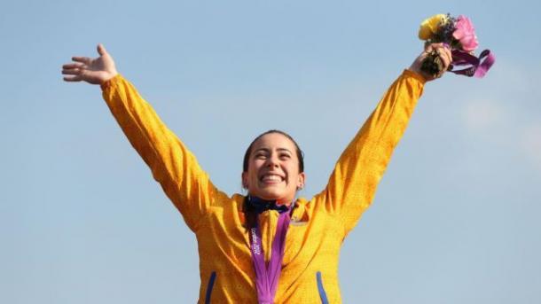 Mariana Pajón celebrando su primer puesto en londres 2012 / Foto: mybike.com.co