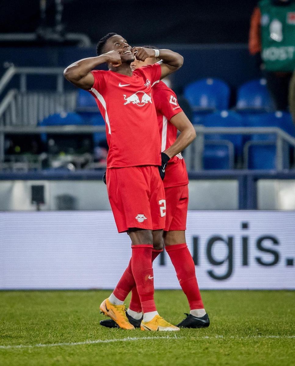Nordi Mukiele y su festejo luego de convertir el primer gol / Foto: @dierotenbullen