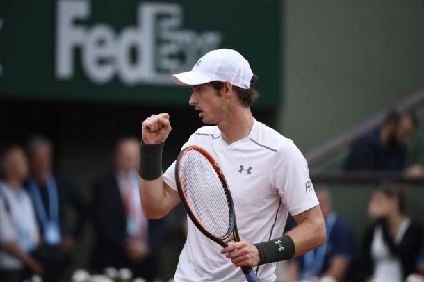 Il pugnetto di Murray, al termine del primo set vinto - Source: Twitter RolandGarros