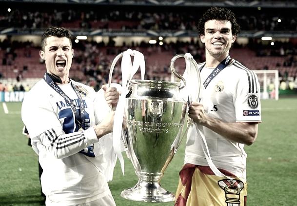Cristiano Ronaldo y Pepe celebran la Copa de Europa conseguida en su país | Foto: Real Madrid