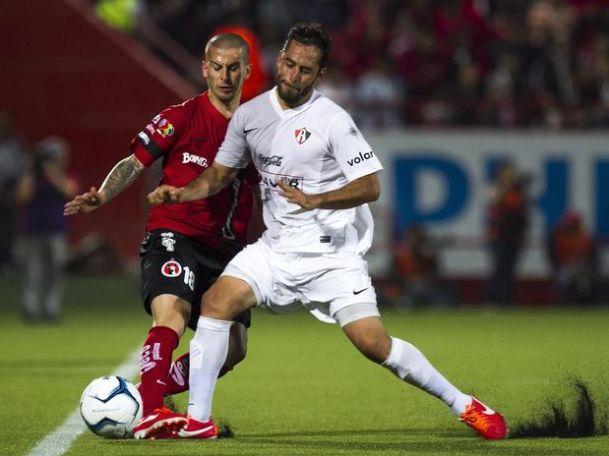 Darío Benedetto en su debut ante Atlas | Foto: Agencias