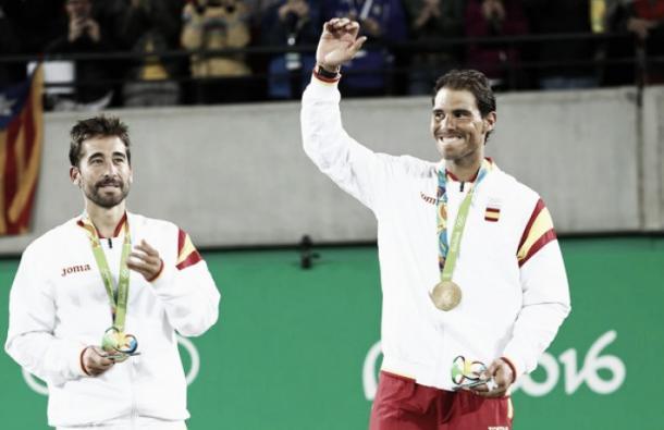 Nadal celebra su oro junto a Marc López   Fuente: Zimbio.