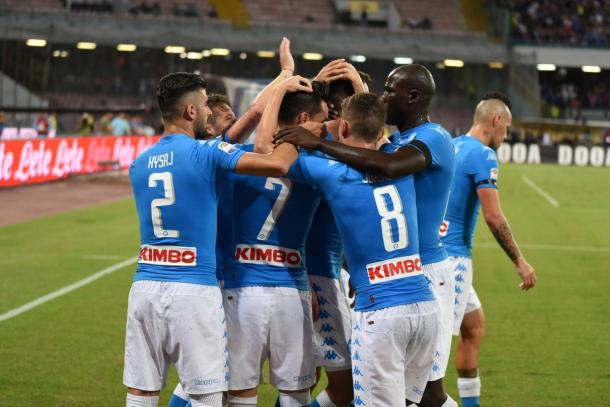 Esulta il Napoli dopo il 2-1 al Bologna firmato da Milik - Foto Getty Images