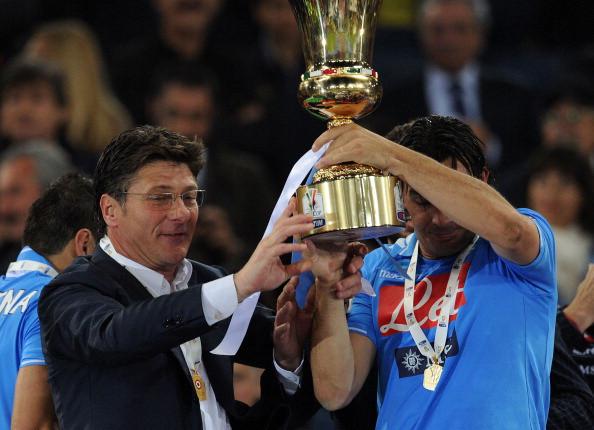 Mazzarri (left) guided Napoli to Coppa Italia success in 2012. (Photo: Getty)