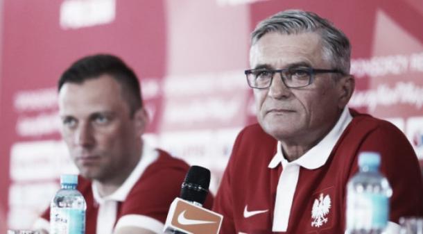 Nawalka en una rueda de prensa. / Foto: Federación Polaca de Fútbol