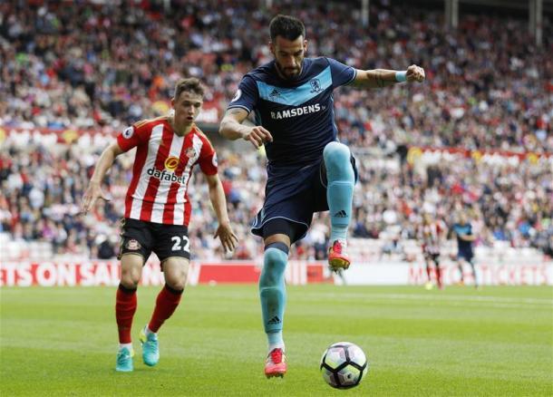 Alvaro Negredo brings the ball under control | Photo: Premier League