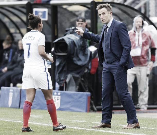 England coach Phil Neville, right, talks with Nikita Parris during the first half of a SheBelieves Cup women's soccer match Thursday, March 1, 2018, in Columbus, Ohio | Photo: Jay LaPrete/AP Photo
