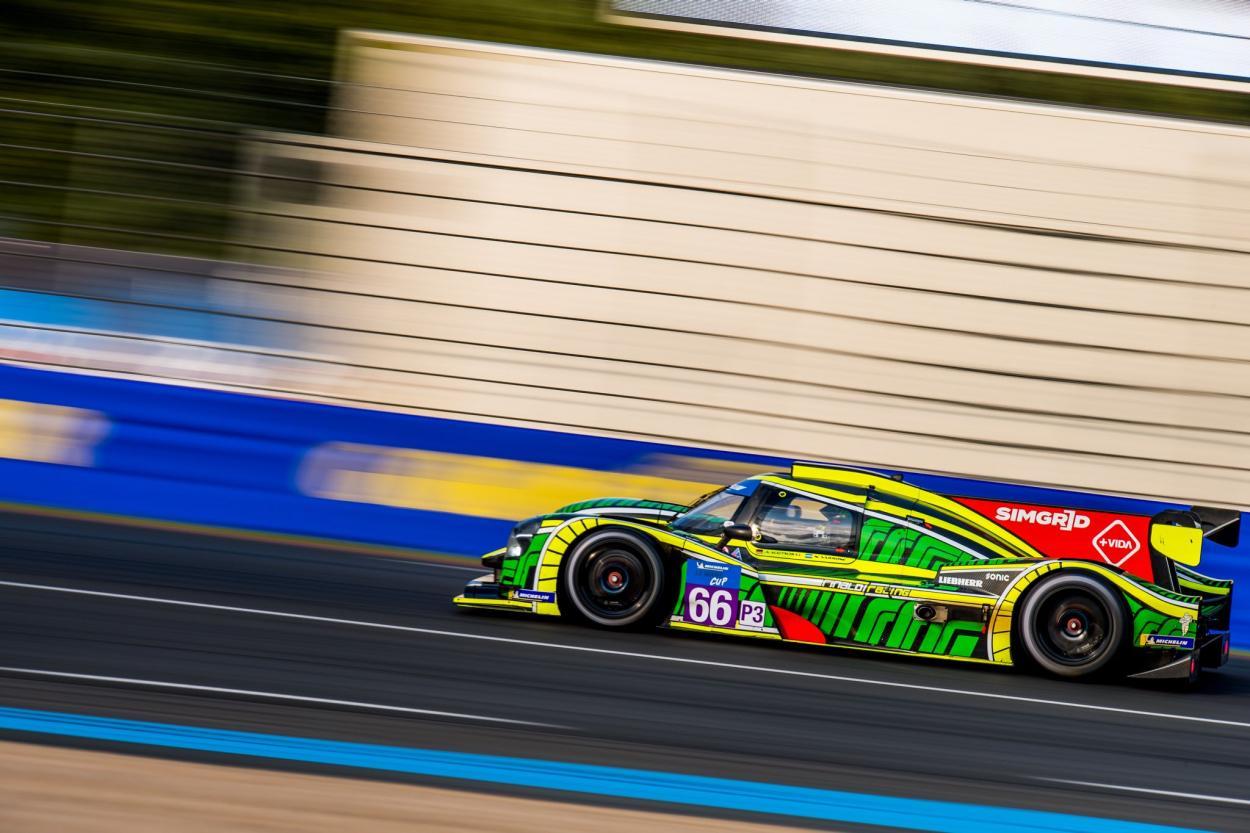 Varrone consiguiendo su segundo podio en Le Mans: Foto Nico Varrone