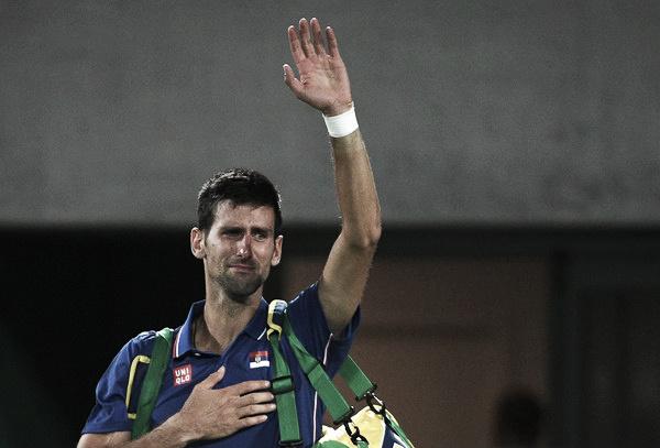 Djokovic se despide entre lágrimas tras su derrota ante Del Potro en Río. Foto: zimbio.com