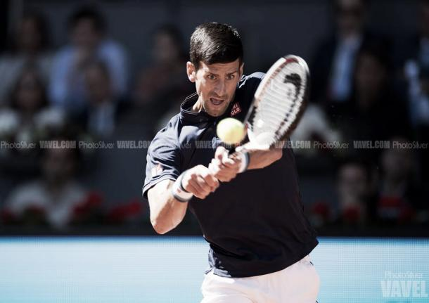 Novak Djokovic durante las semifinales del Mutua Madrid Open frente a Rafa Nadal. Foto: vavel.com