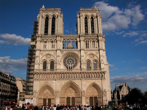 Campanarios de la Catedral de Notre Dame. Fotografía de: viajes2011limitada.wordpress.com
