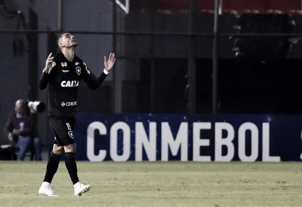 Luiz Fernando comemora o gol de empate. Foto: Divulgação/Conmebol