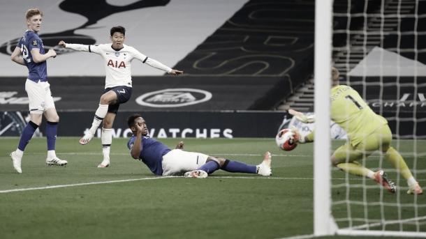 Una de las ocasiones de Heung-Min Son./ Foto: Premier League