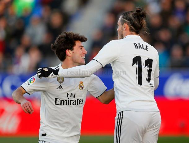 Odriozola festeja con Bale su gol I Foto: Real Madrid