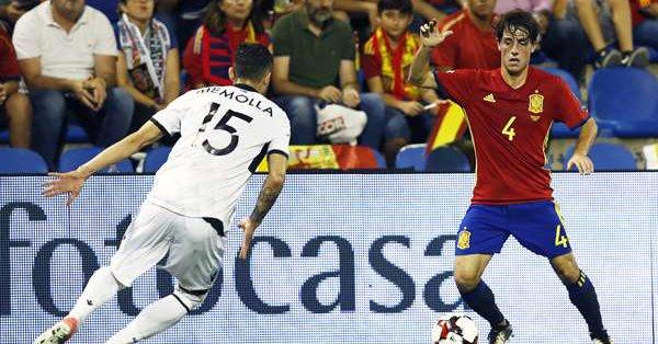 Álvaro Odriozola fue uno de los destacados en el España vs Albania. | Foto: Real Sociedad