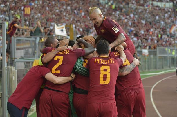 Los jugadores celebran un gol del último partido de la temporada. / Fuente de las imágenes web AS Roma