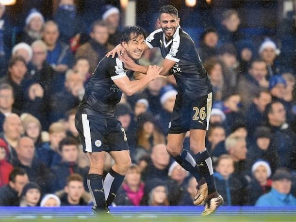 Riyad Mahrez and Shinji Okazaki show their delight during their 3-2 win at Goodison Park | Photo: Getty