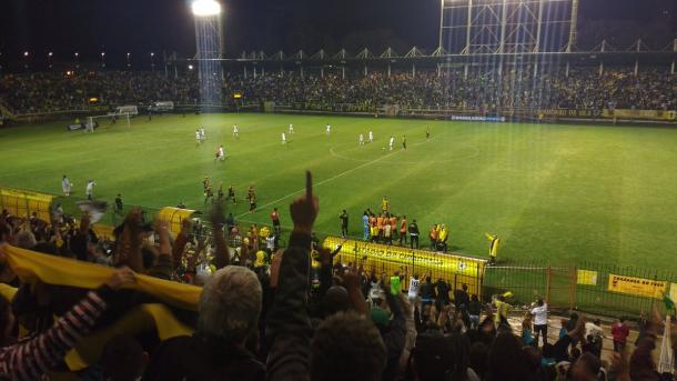 Comemoração foi muito grande ainda no primeiro tempo | Foto: Pedro Henrique Guimarães/VAVEL Brasil