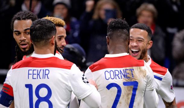 Los jugadores del Lyon celebran un tanto Fuente: Twitter OL