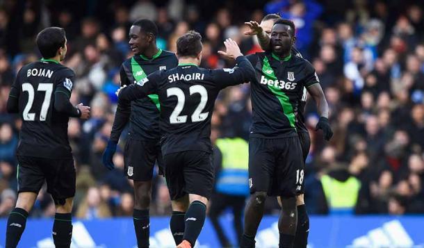 Los jugadores del Stoke celebran el empate. Foto: Premier League