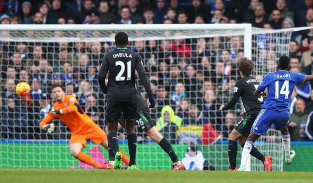 Momento en que Traoré hizo el 1-0. Foto: Premier League