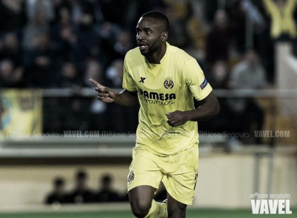 Bakambu celebra un gol / Foto: VAVEL