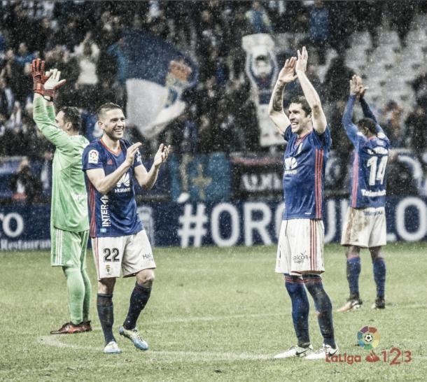 Jugadores del Real Oviedo celebrando su triunfo ante el Sporting | Fuente LaLiga.es