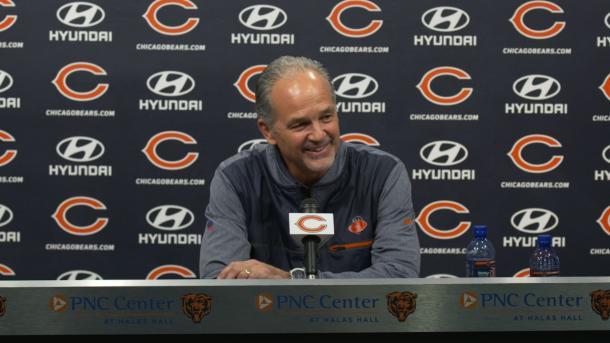 Chuck Pagano en su presentación como coordinador defensivo (foto: www.chicagosbears.com))