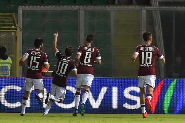 L'esultanza dei giocatori del Torino al gol di Adem Ljajic