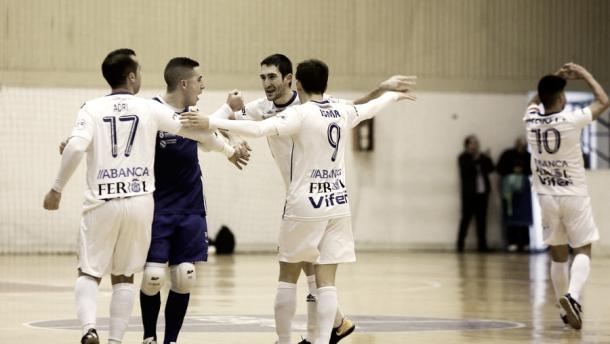 Celebración del primer tanto del partido | Foto: LaVoz de Galicia