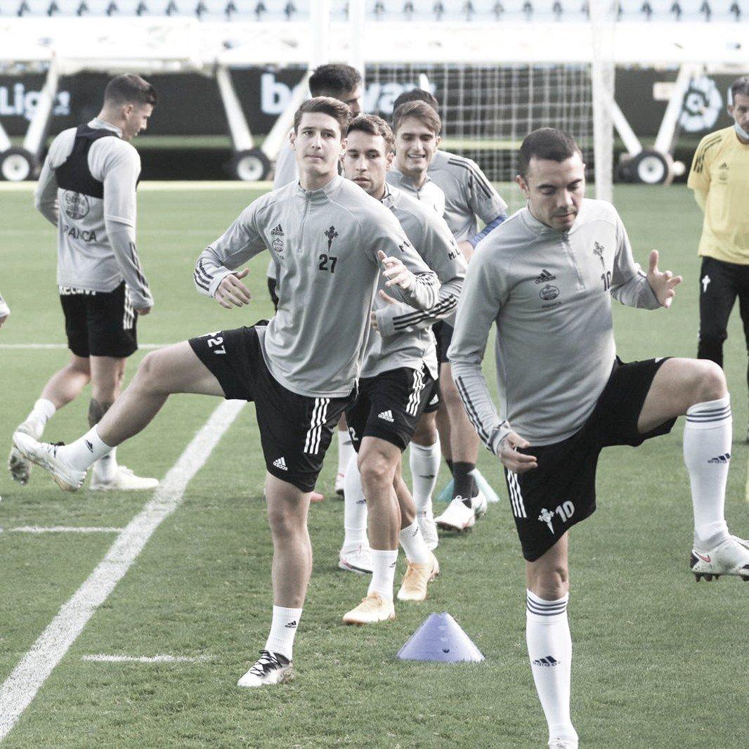 Jugadores del primer equipo instantes antes del partido preparatorio frente al filial / Foto: @RCCelta