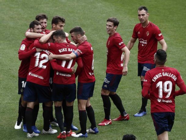 Celebración en grupo del primer gol. Fuente: Diario de Noticias