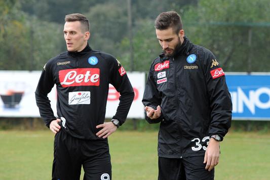 Arkadiusz Milik, a sinistra, e Leonardo Pavoletti - Foto Ssc Napoli